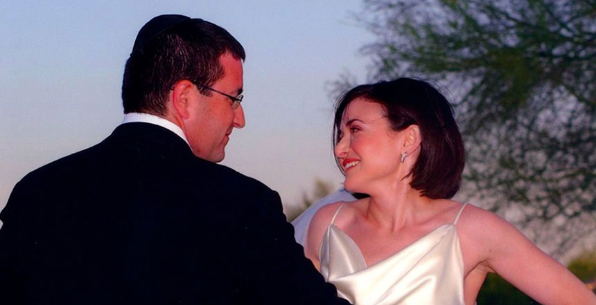 Dave Goldberg and Sheryl Sandberg on their wedding day. (Sheryl Sandberg via Facebook)